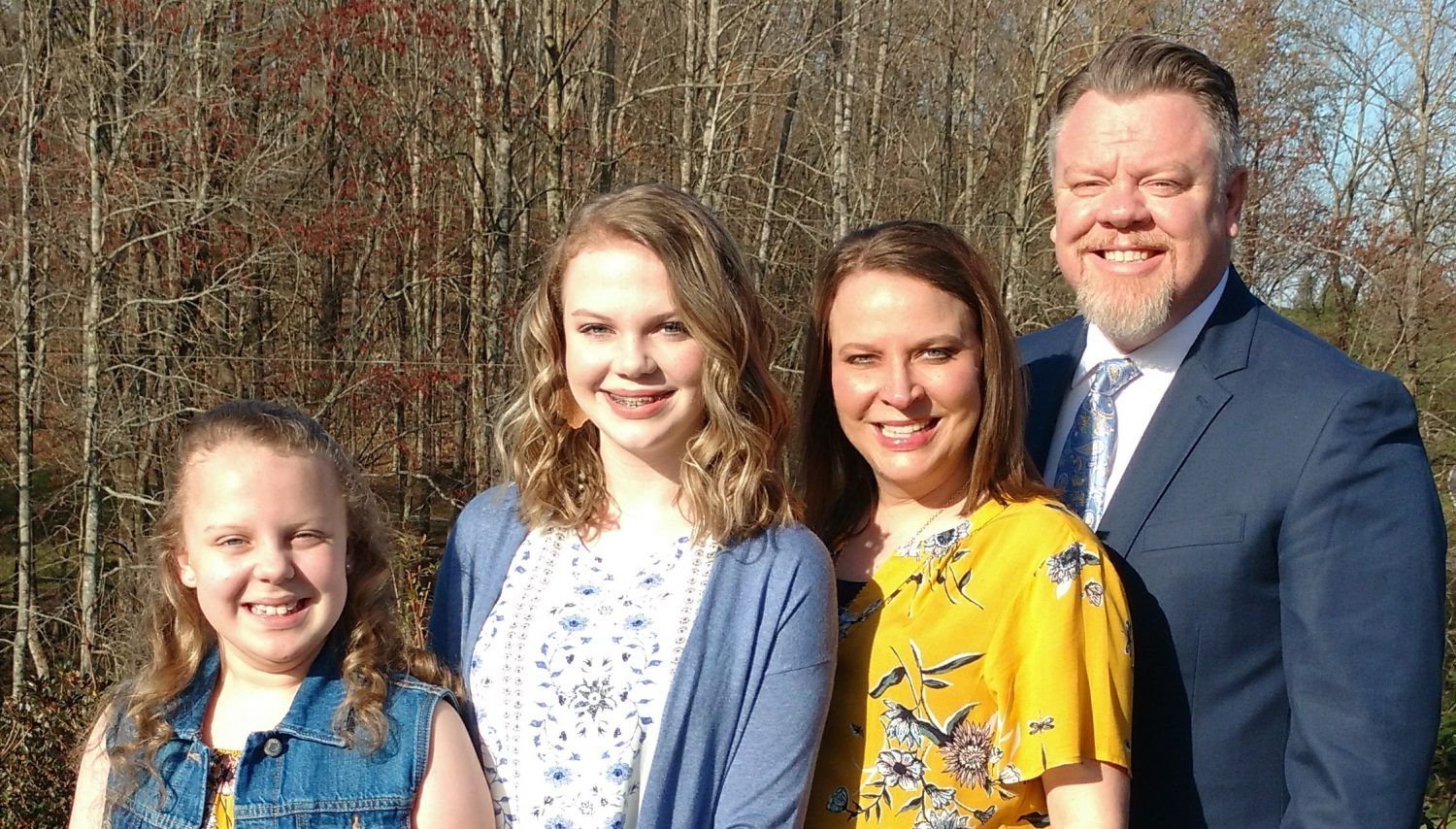 cropped-easterfampic2.jpg